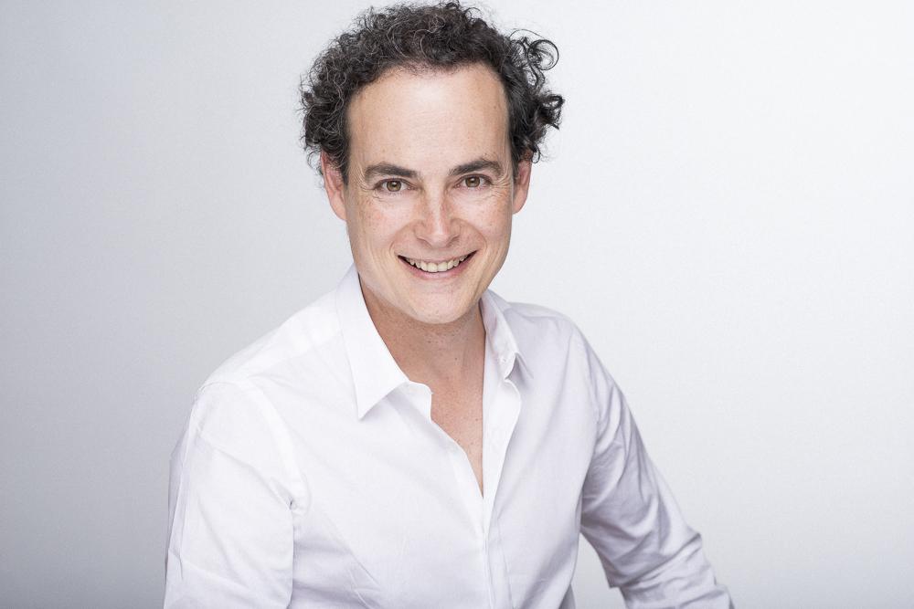 IKER ORTIZ DE ZARATE actor
